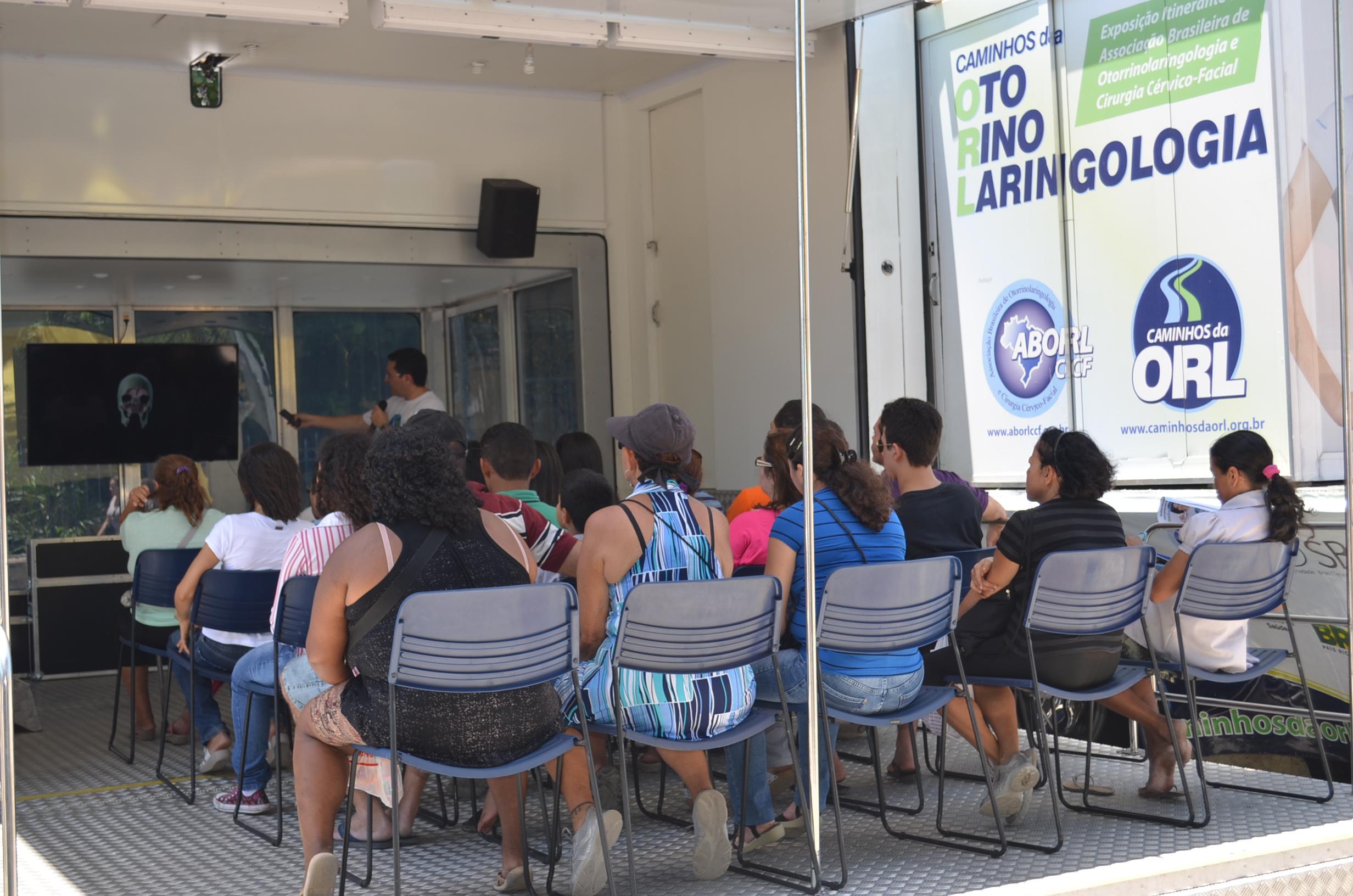 Aula do Otorrinolaringologista Fábio Lorenzett em Fortalezai